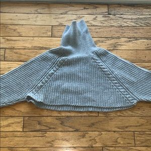 Grey crop top sweater with turtle neck